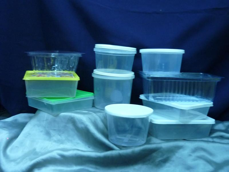 set of containers for packing dates/halwa/farsan